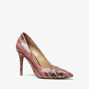 🆕️Michael Kors Rose Claire Snakeskin Pump Size 6